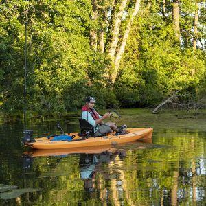 kayak sit-on-top / rigide / pour expédition / de pêche