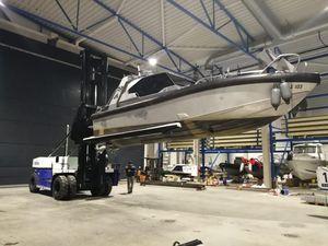 chariot élévateur pour chantier naval