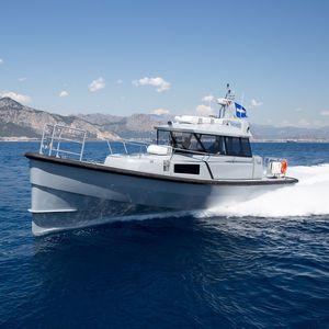 bateau de surveillance / in-bord hydrojet