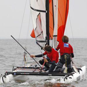catamaran de sport de régate / double / simple trapèze / spinnaker asymétrique