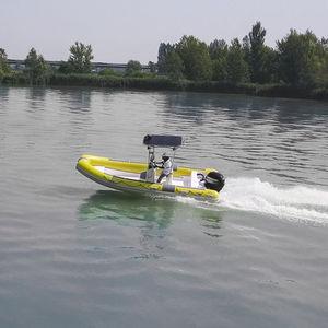 bateau de surveillance / bateau de travail / bateau de sauvetage / bateau utilitaire