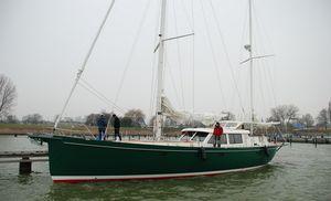 sailing-yacht de croisière / cockpit central / en aluminium / 3 cabines