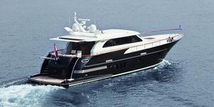 motor-yacht de croisière / avec timonerie / IPS / aluminium