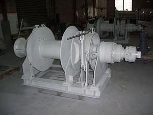 guindeau hydraulique / pour navire / horizontal / tambour simple