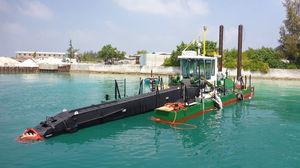 bateau professionnel drague suceuse à désagrégateur