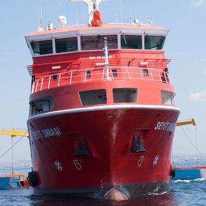 navire anti-pollution