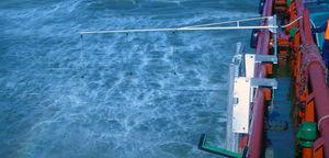 système de pulvérisation de dispersant / pour pollution aux hydrocarbures / monté sur bateau / à bras