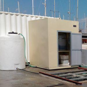 système de traitement d'eaux usées / d'eau douce / des eaux de cale / pour navire