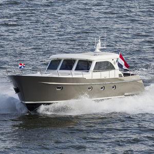 vedette in-bord / hard-top / offshore / en aluminium