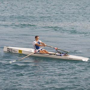 bateau d'aviron de compétition / skiff