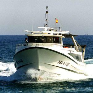 navire de pêche professionnelle chalutier