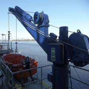 bossoir pour navire / hydraulique / pivotant