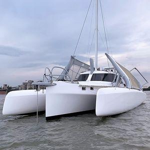 sailing-yacht trimaran