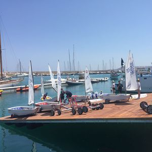 cale de mise à l'eau flottante pour bateaux / kayaks / flottante pour canoës