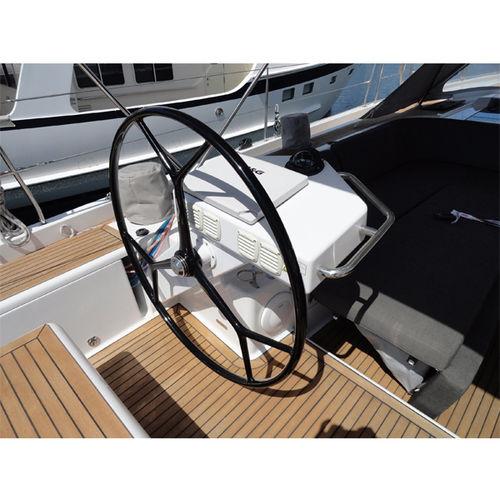 barre à roue pour voilier