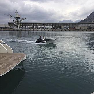 barque hors-bord / électrique / à console latérale / annexe pour yacht