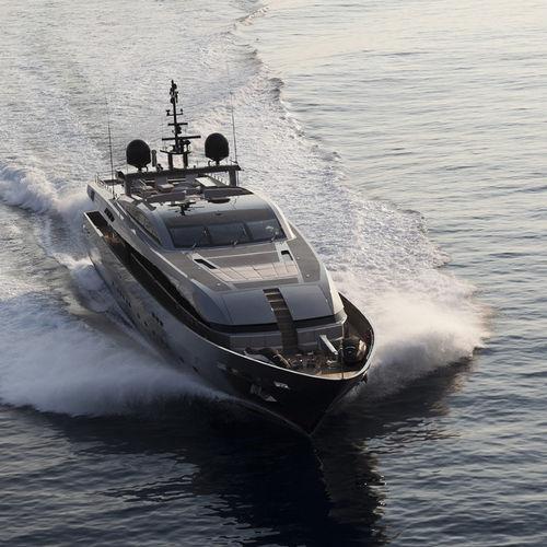 super-yacht rapide