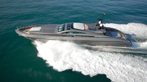 super-yacht de croisière / avec timonerie / hard-top / aluminium