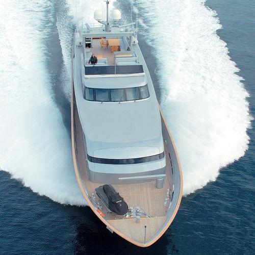 super-yacht de croisière / à fly / en aluminium / à déplacement