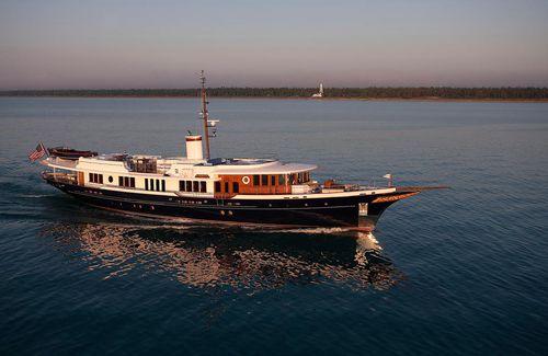 méga-yacht de croisière