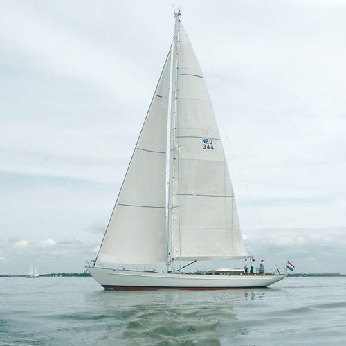 sailing-yacht de régate / cockpit ouvert / en aluminium / 3 cabines