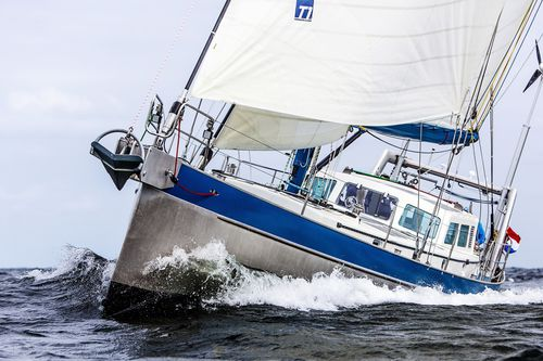 sailing-yacht de croisière / cockpit ouvert / en aluminium / à quille relevable