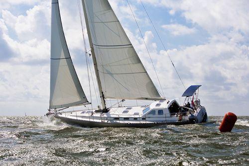 sailing-yacht de croisière / avec timonerie / en aluminium / 3 cabines