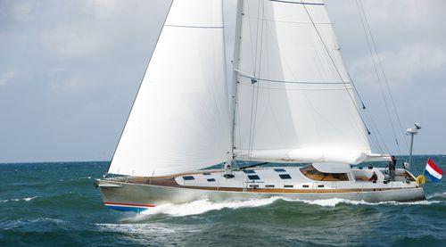 sailing-yacht de croisière / cockpit ouvert / en aluminium / 4 cabines