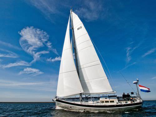 sailing-yacht de croisière / cockpit ouvert / en aluminium / sur mesure