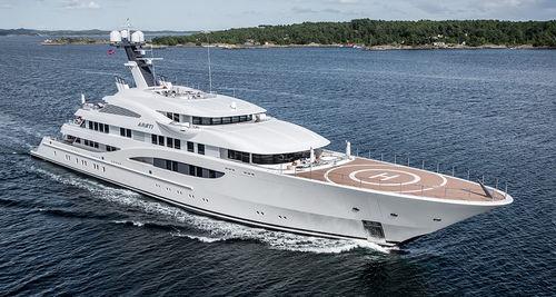 mega-yacht de croisière / traditionnel / raised pilothouse / avec héliport