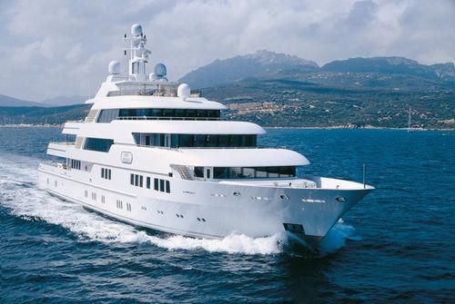mega-yacht de croisière / raised pilothouse