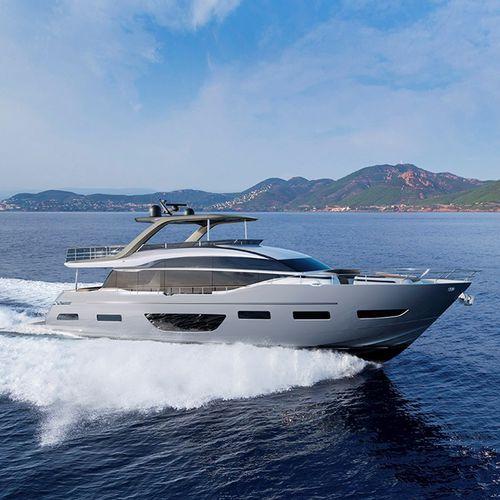 motor-yacht de croisière / à fly / 4 cabines