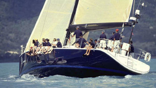 sailing-yacht de course / cockpit central / 4 cabines