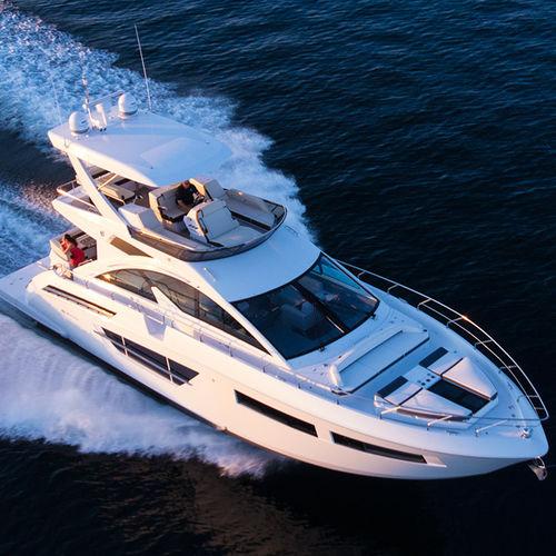 motor-yacht de croisière / à fly / 2 cabines