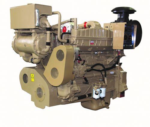 moteur in-bord / de propulsion / auxiliaire / plaisance