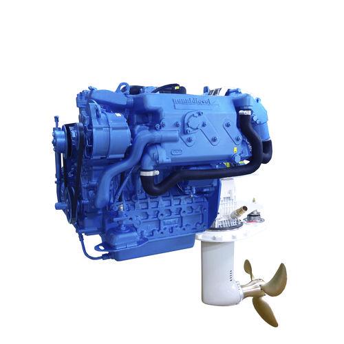 moteur plaisance / pour bateau professionnel / saildrive / diesel