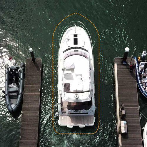 système d'amarrage assisté pour bateau / pour yacht