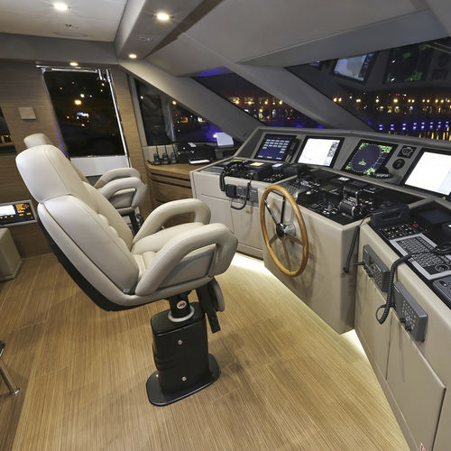 siège pilote / pour bateau / avec accoudoirs / ajustable