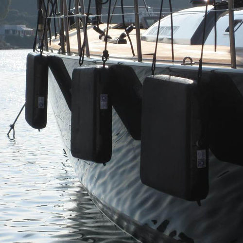 pare-battage pour bateau
