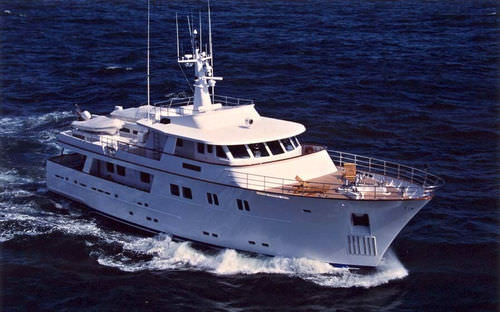motor-yacht traditionnel