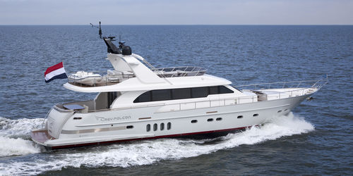 motor-yacht de croisière / à fly / IPS / en aluminium