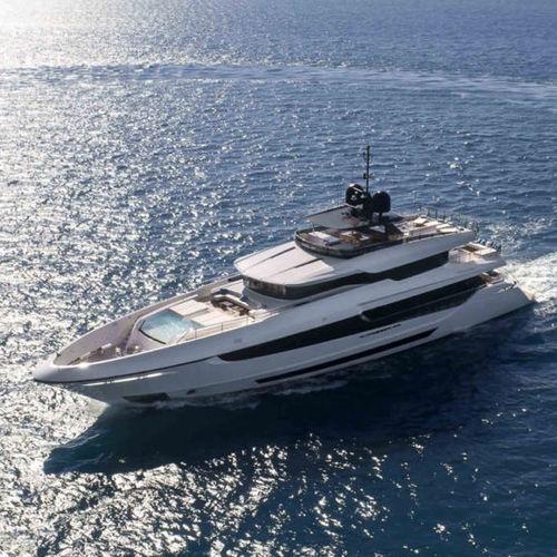 super-yacht de croisière / avec timonerie / en aluminium / en acier