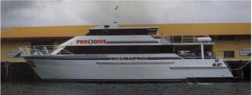 motor-yacht de plongée