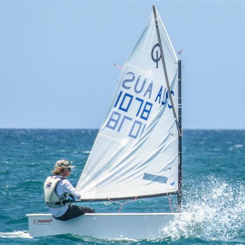dériveur solitaire / de loisir / école / cat boat