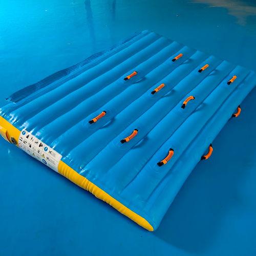 jeu aquatique rampe