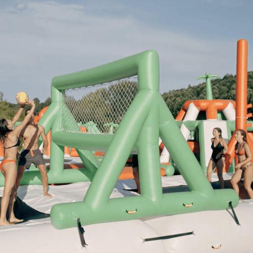 jeu aquatique terrain de volley-ball