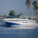 runabout in-bord / à double console / bow-rider / de wakeboard
