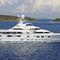 méga-yacht de luxe de croisière / raised pilothouse / coque à déplacement / avec héliport