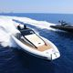 bateau pneumatique in-bord / bimoteur / semi-rigide / à console centrale