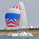 sailing-yacht catamaran / de grande croisière / à cockpit ouvert / à fly